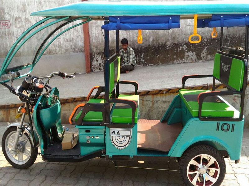 Plaudit 101 e-Rickshaw