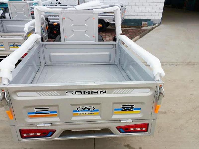 Plaudit e-cargo Riskshaw