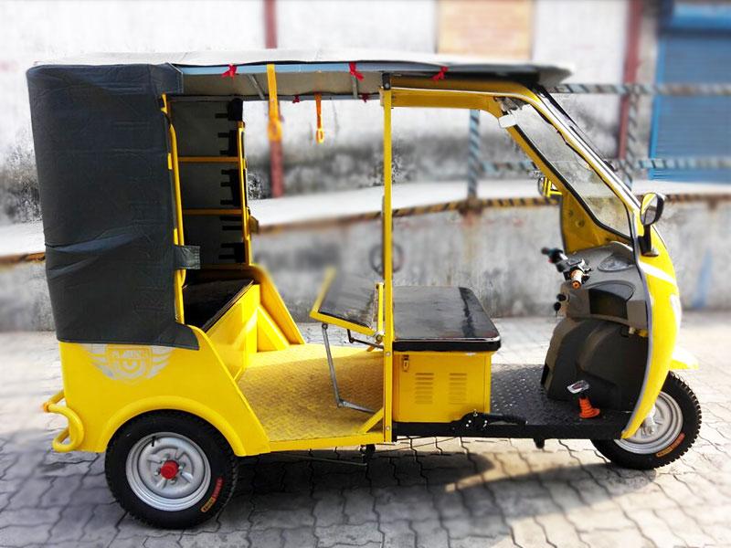 Plaudit Auto e- Riskshaw